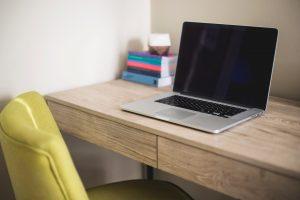 סידור נכון של המשרד הביתי = סביבה נכונה לעשייה ולהצלחה!