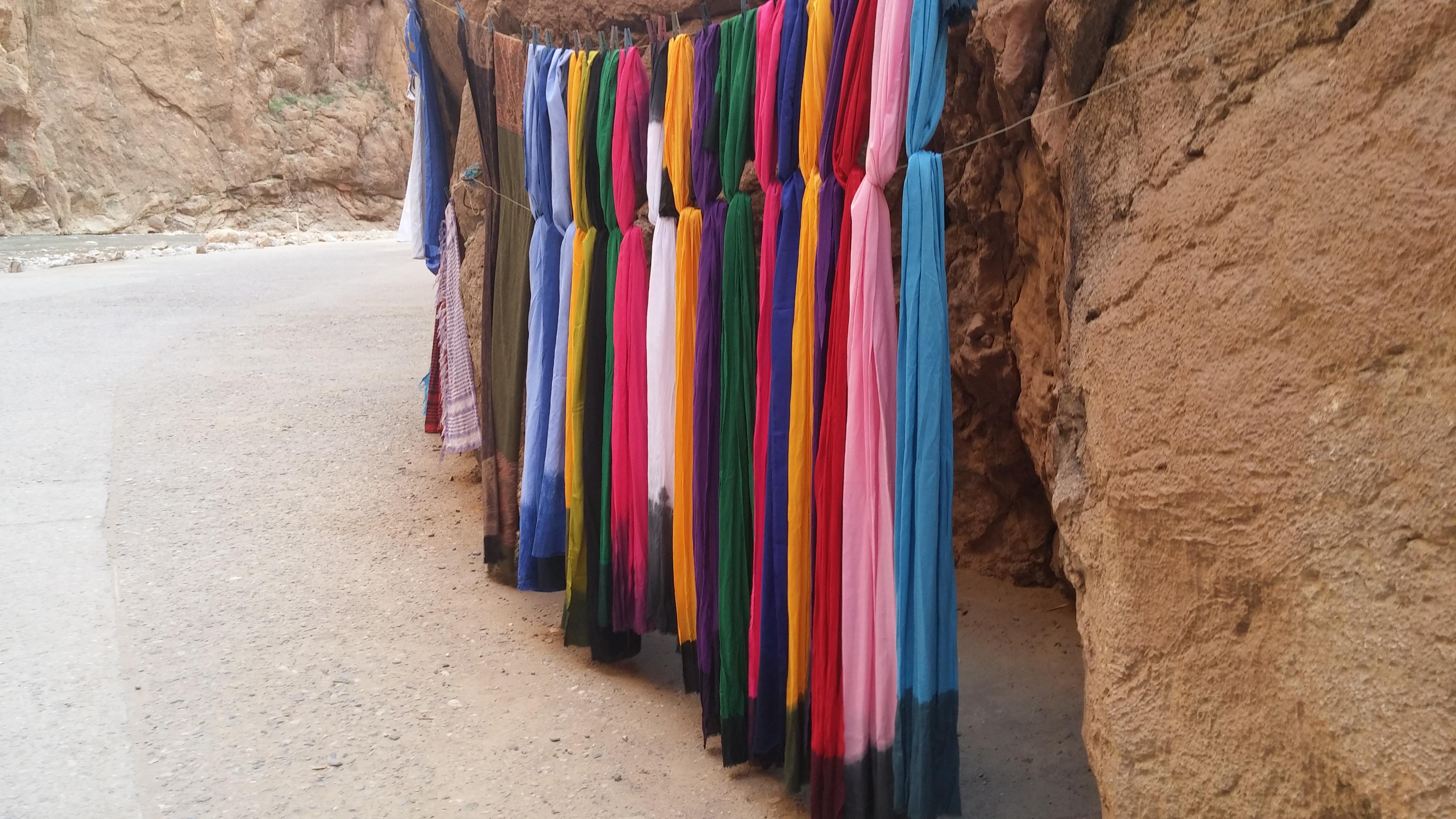 יש לך הרבה צעיפים? גם במרוקו - 'יהיה בסדר בצפון!' סידור וארגון הבית והמשרד